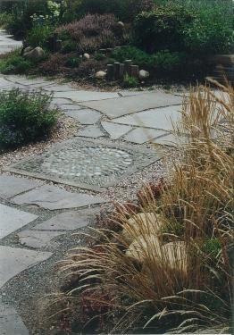 sentier pierre blue stone et mosaique