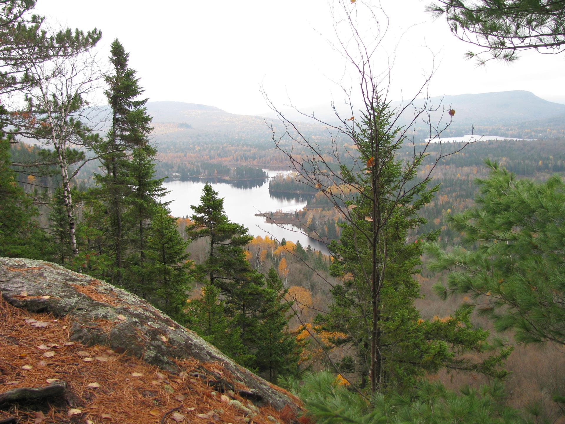 vue du sommet le lac clef