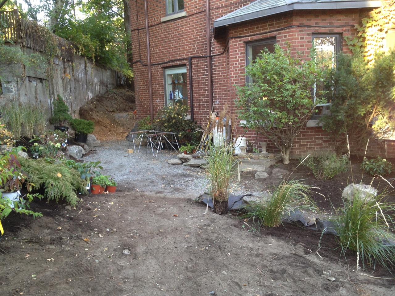 préparation des fondations pour patio et rocaille