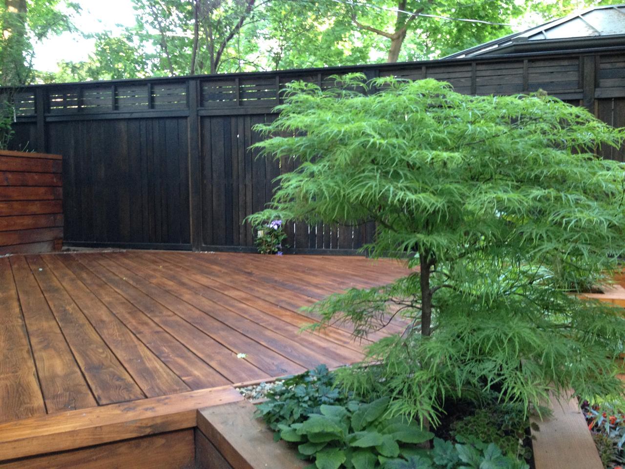 construction de la clôture et de la terrasse